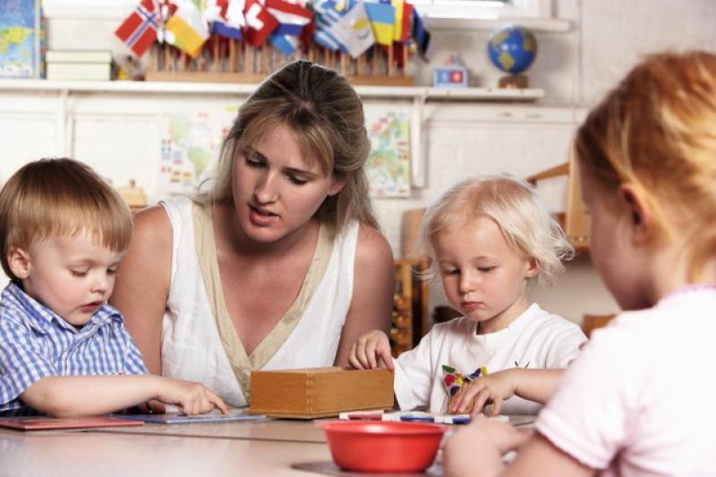 Giáo dục trẻ tại nhà theo phương pháp montessori