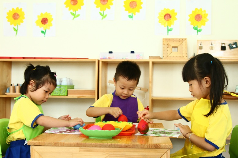 Mỹ thuật Montessori tại Trường Mầm non Smile Kids